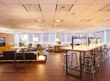 社員の働き方に合わせた新しいオフィス空間