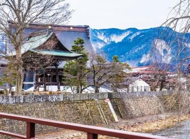 本当の自分の物語を紡ぎ出す 日本の秘境でクリエイ…