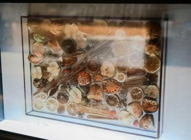 多彩なクリエイターが地下街を彩る<br /> 京都駅地下街「ポルタ」アートウォールプロジェクト