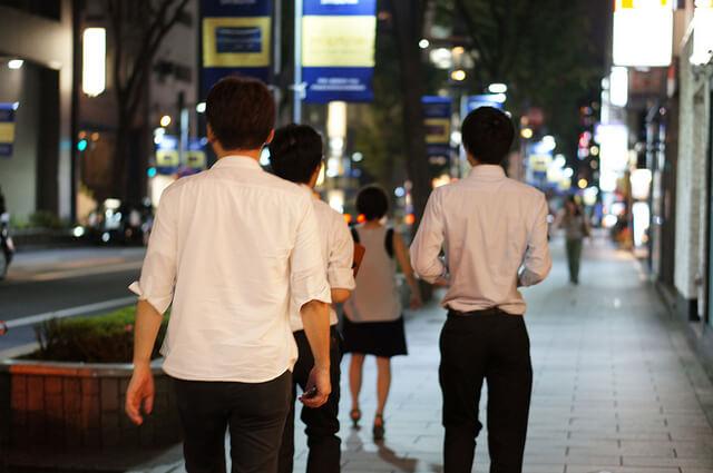 「街へ出よ!」プロトタイプを手に、夜の渋谷へ繰り出すチームも…!