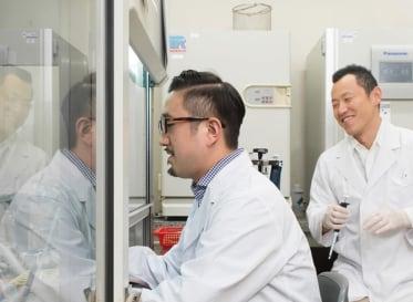 人の顔が見える。リサーチから導き出された大阪医科大学のWebサイト