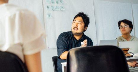 写真家・幡野広志さんと「死」を考える ロフトワークが成安造形大学の特別授業をデザイン