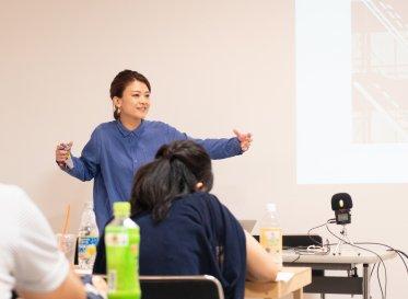 創造的思考で課題解決するには?<br /> ディレクター基真理子「続・enocoの学校 2019」に講師登壇