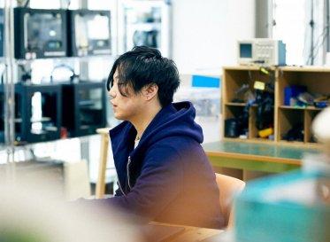 スペキュラティヴデザイナー・川崎和也が挑む<br /> AIとサステイナブルファッション